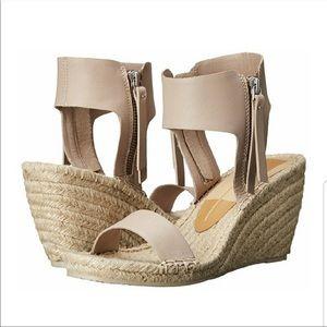 DOLCE VITA Gisele Wedge Almond Leather Size 8